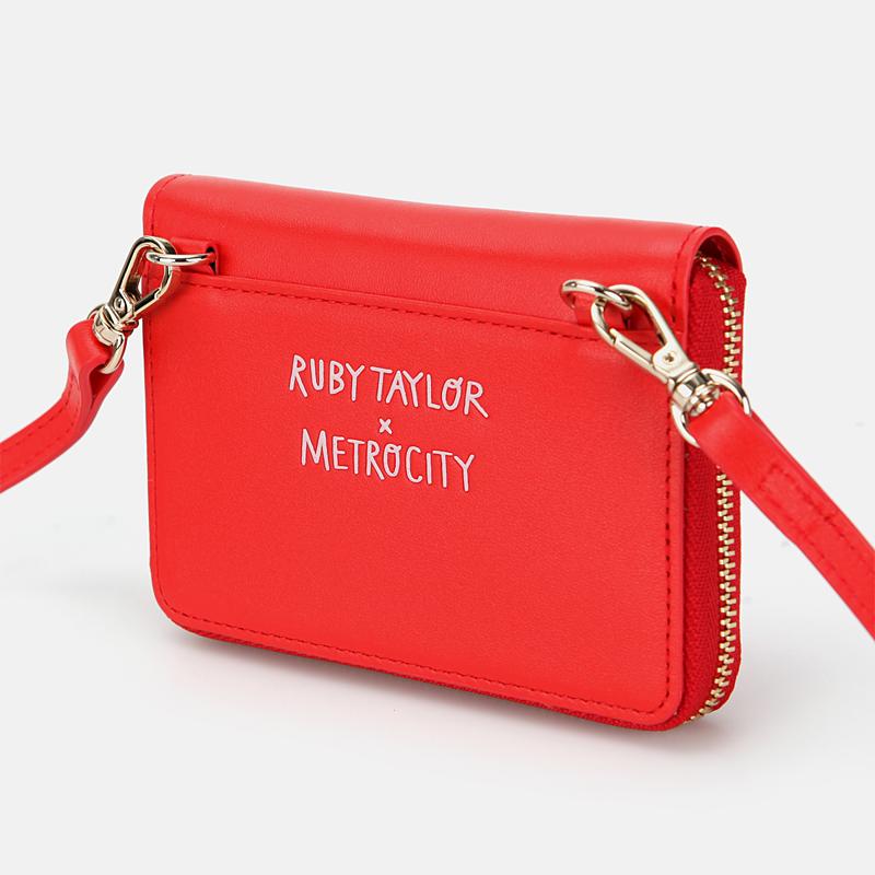 메트로시티(METROCITY) [Ruby Taylor Collaboration] 크로스 겸 지퍼반지갑 M201WM5053R